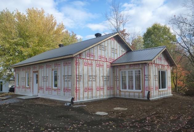 petite maison co nerg tique r alisations mcclure construction. Black Bedroom Furniture Sets. Home Design Ideas